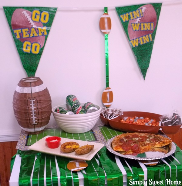 Full Football Party Table