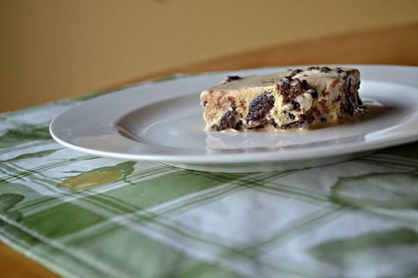 brownie- ice-cream-cake-slice