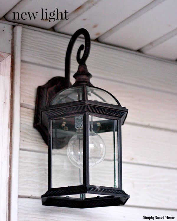 Perfect Repurposed Light Fixture Bird Feeder - Simply Sweet Home DG93